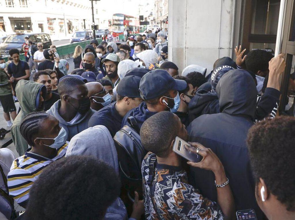 2,7 Juta Warga Inggris Ajukan Klaim Tunjangan Pengangguran