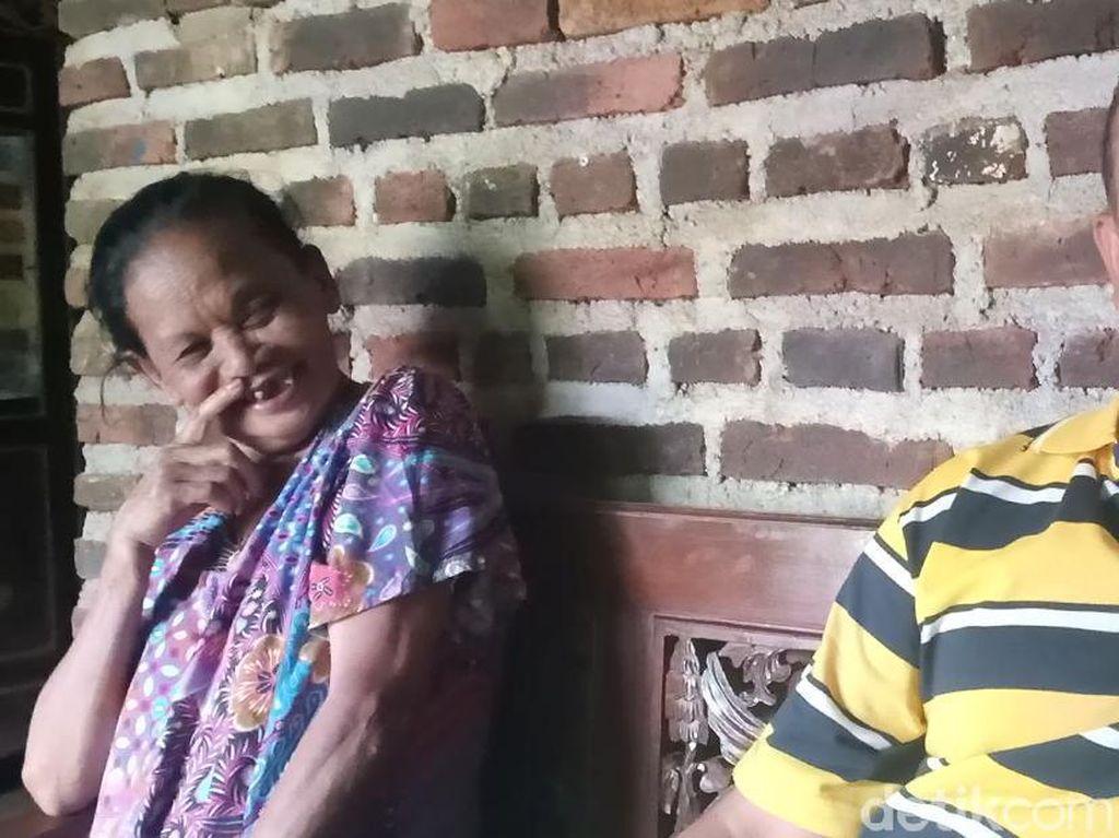 Kisah Cinta Duda Muda dan Nenek 72 Tahun yang Tak Kenal Perbedaan Usia