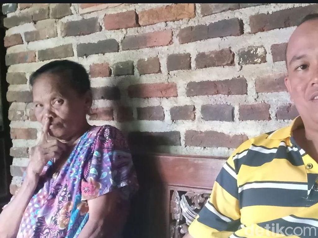 Duda Muda Ini Berharap Punya Anak dari Nenek 72 Tahun yang Dinikahi
