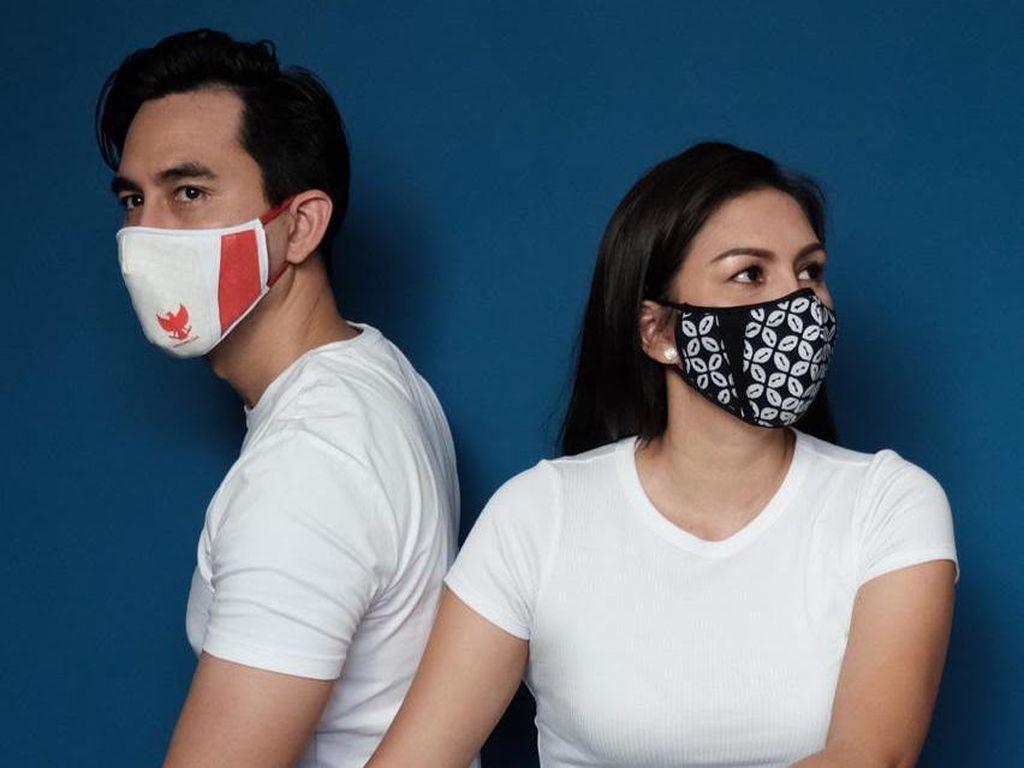 Desainer Ferry Sunarto Rilis Masker Kain Batik dan Burung Garuda, Dipakai Artis
