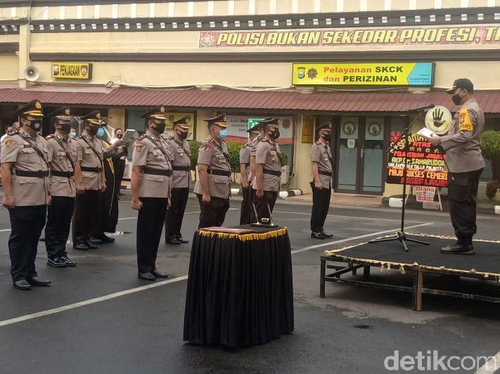 Kapolrestabes Makassar Pimpin Sertijab 3 Kapolsek Baru