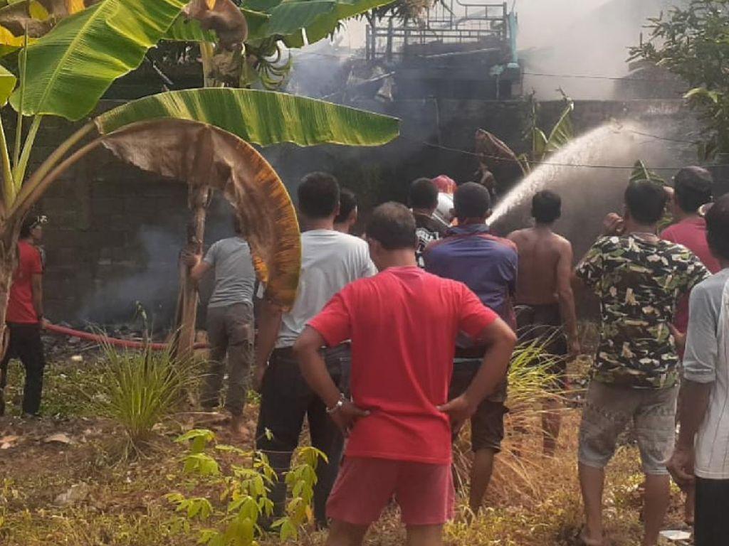Tiga Rumah Nelayan di Palabuhanratu Dilalap Si Jago Merah