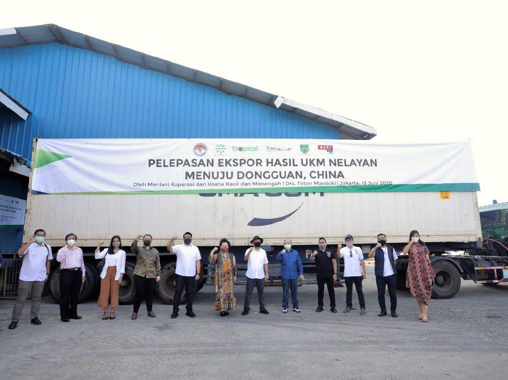 Menteri Koperasi dan UKM Lepas Ekspor 27 Ton Ikan ke China