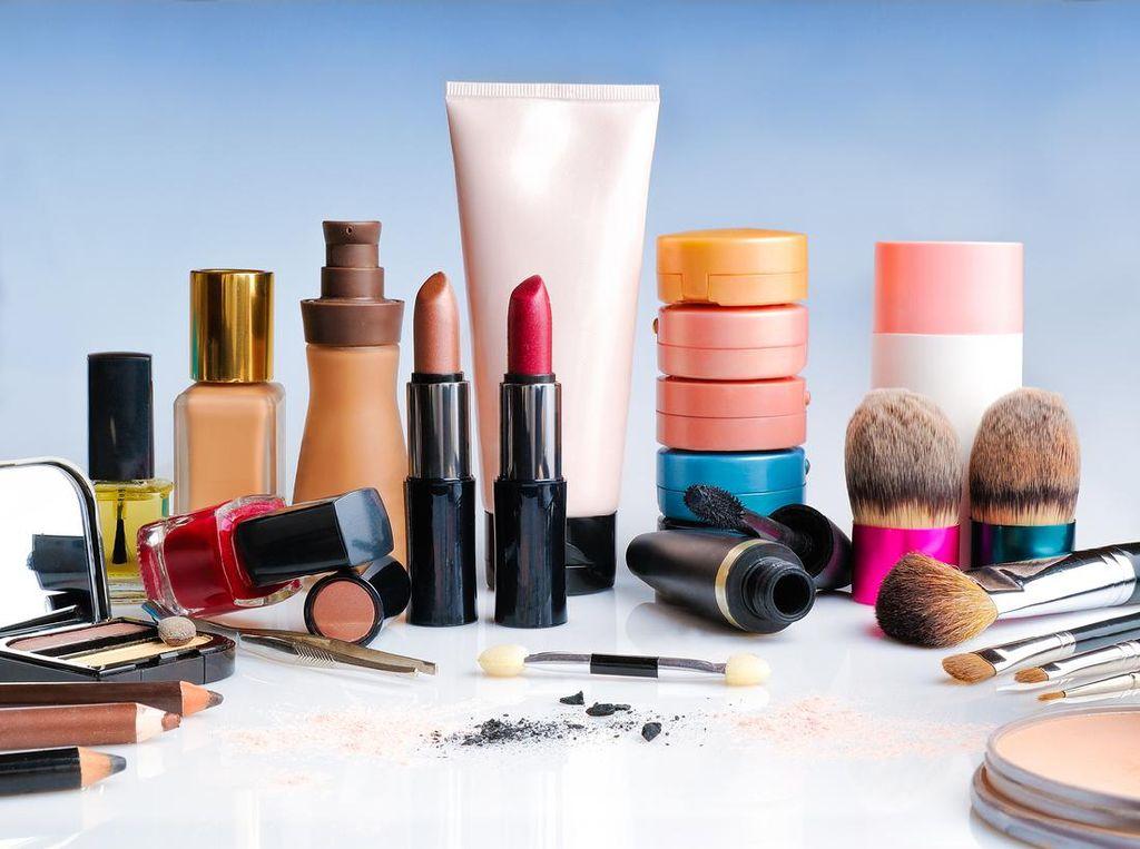 KuTips: Beauty Hacks, Cara Perbaiki Eyeshadow Pecah