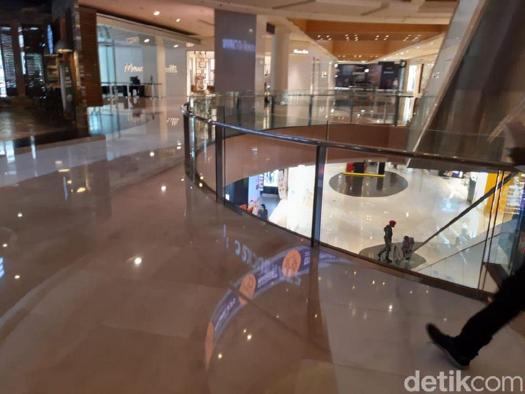 Grand Indonesia Beroperasi, Toko Pakaian hingga Kafe Mulai Buka