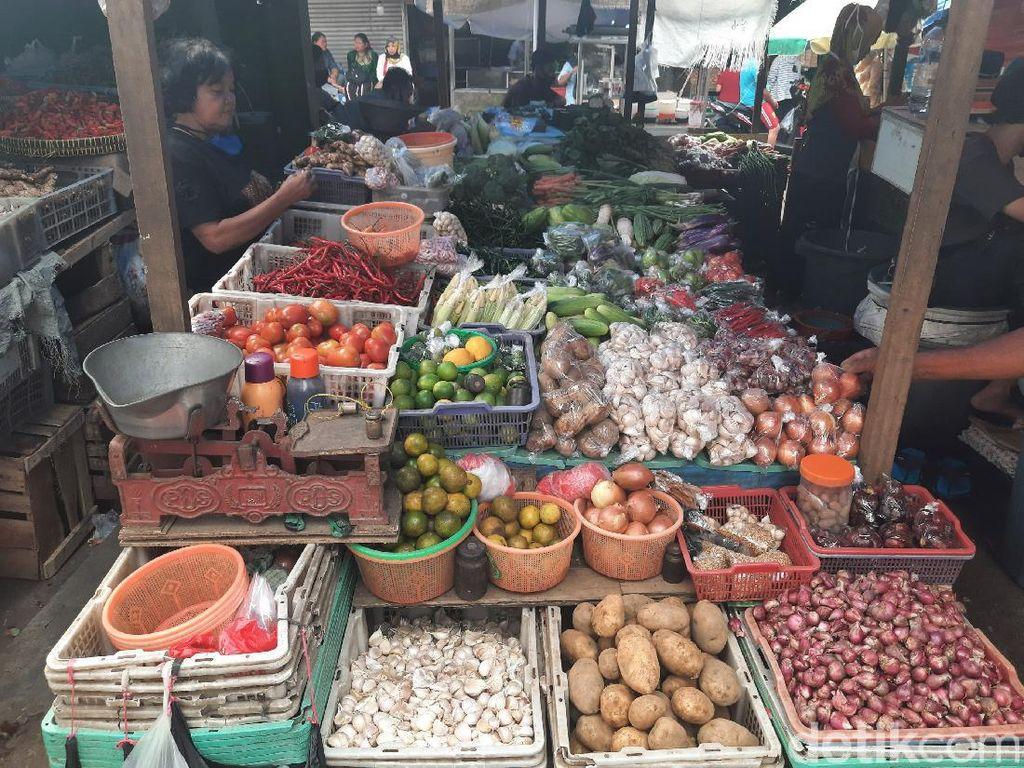 Ganjil Genap di Pasar: Ada yang Belum Patuh hingga Pedagang Mengeluh