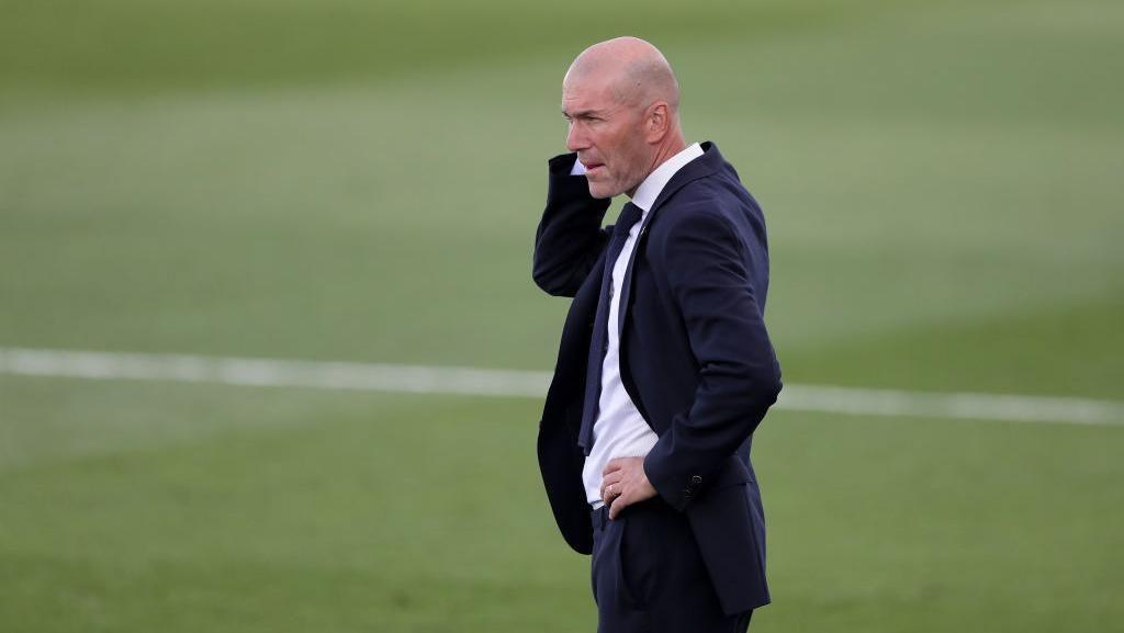 Enam Dosa Zinedine Zidane