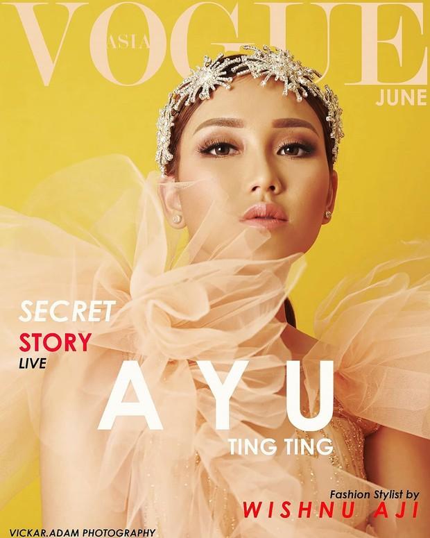 Penampilan Ayu Ting Tinh yang cantik dan mempesona membuatnya tampak cocok menjadi cover majalah Vogue.
