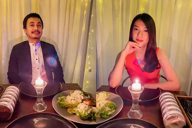 Pasangan Raditya Dika dan Anissa Aziza mengadakan candle light dinner di rumah untuk merayakan anniversary yang kedua.