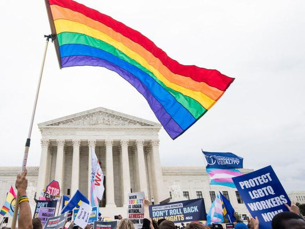 Stiker LGBT di Instagram Dikritik Pengguna