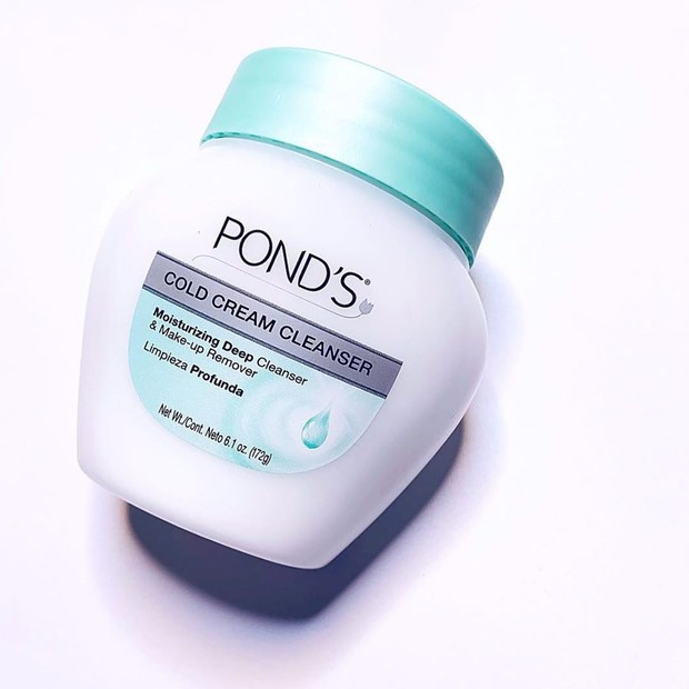 Selain menjadi face wash, bisa juga digunakan sebagi makeup remover.