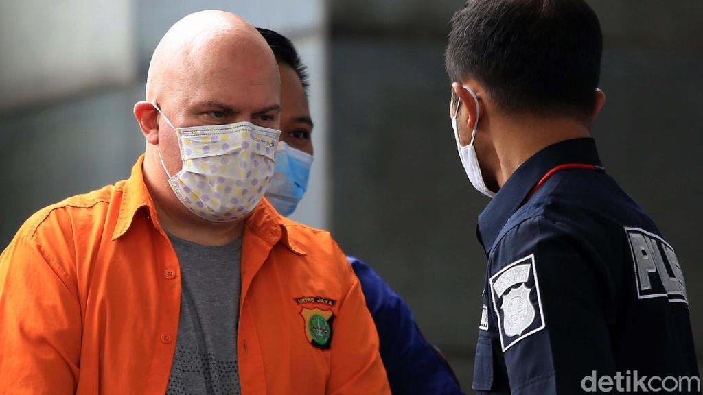 Ini Russ Medlin, Buron FBI yang Ditangkap Polda Metro Jaya