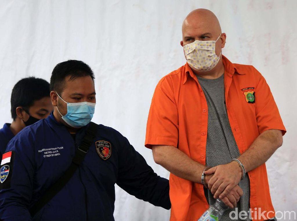 Polisi Jelaskan Kejahatan Russ Medlin Buron FBI yang Ditangkap di Jaksel