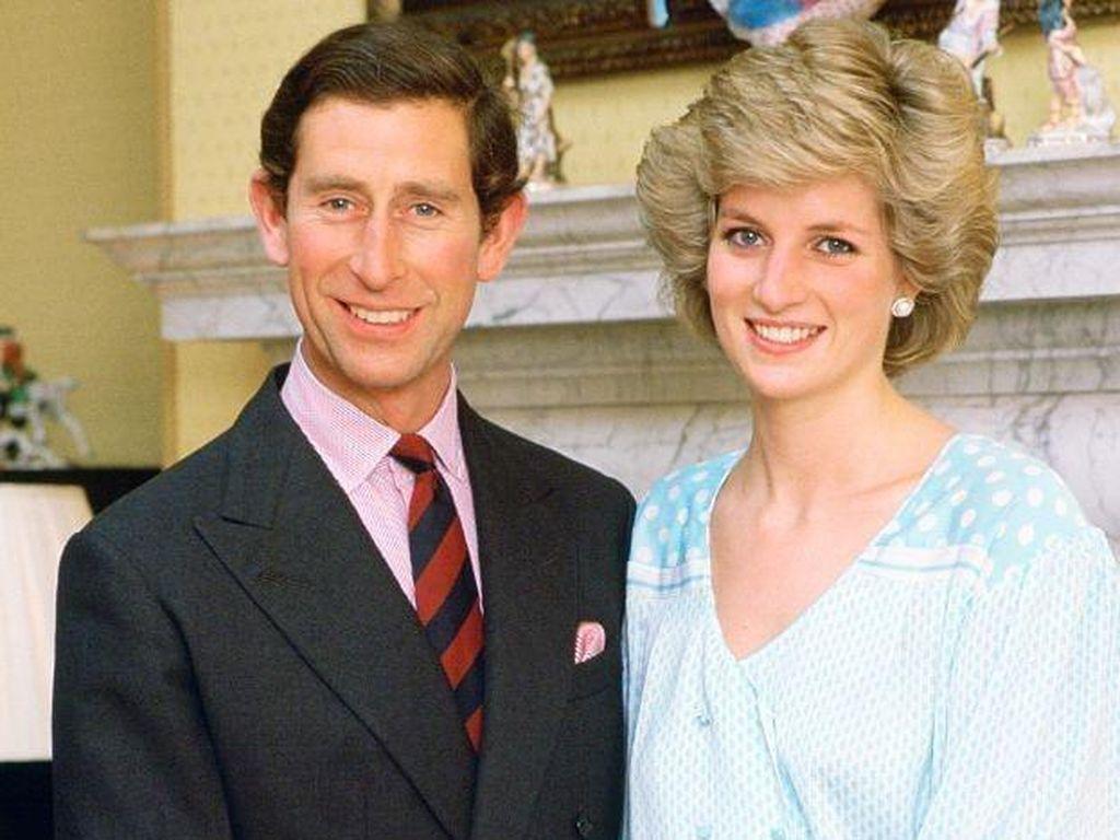 Pangeran Charles Ngaku Tak Cinta Putri Diana