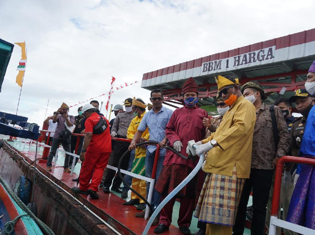 Cerita Nelayan di Pesisir Kalbar Sebelum Ada BBM 1 Harga