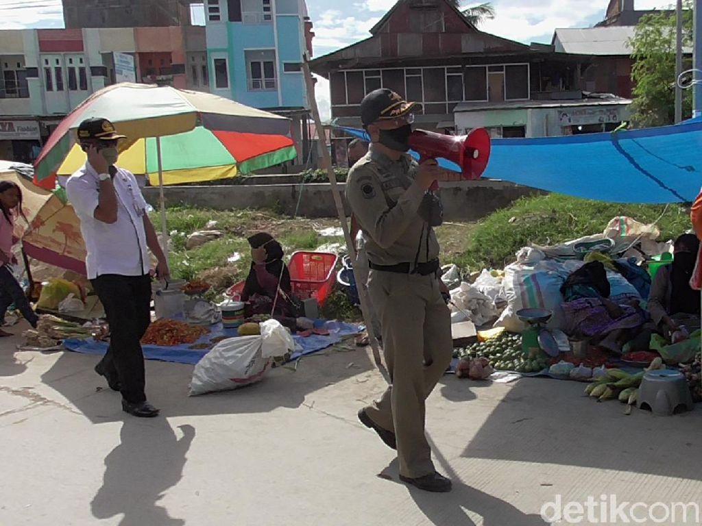 Cek Pasar, Camat Wonomulyo Temukan Pedagang-Pembeli Abai Protokol Kesehatan