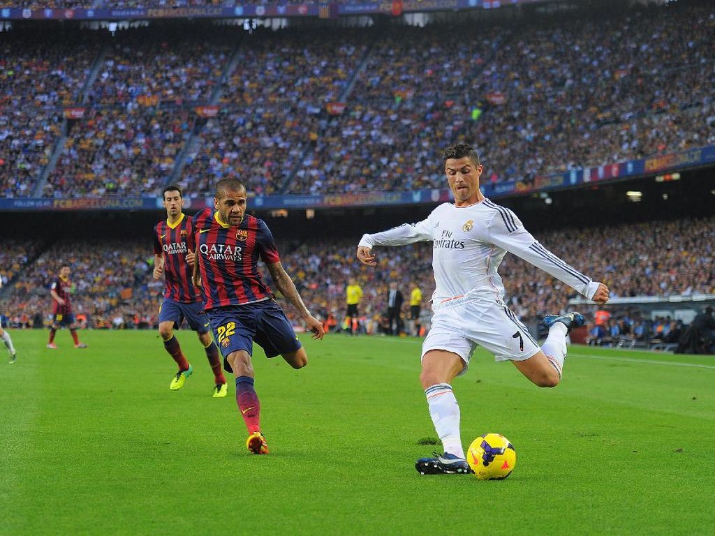 Dani Alves: Cristiano Ronaldo Lawan Tersulit
