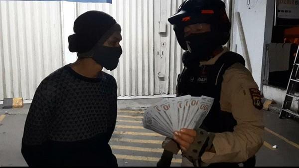 Hendak Transaksi Dolar Palsu, Pria di Depok Ditangkap Tim Jaguar
