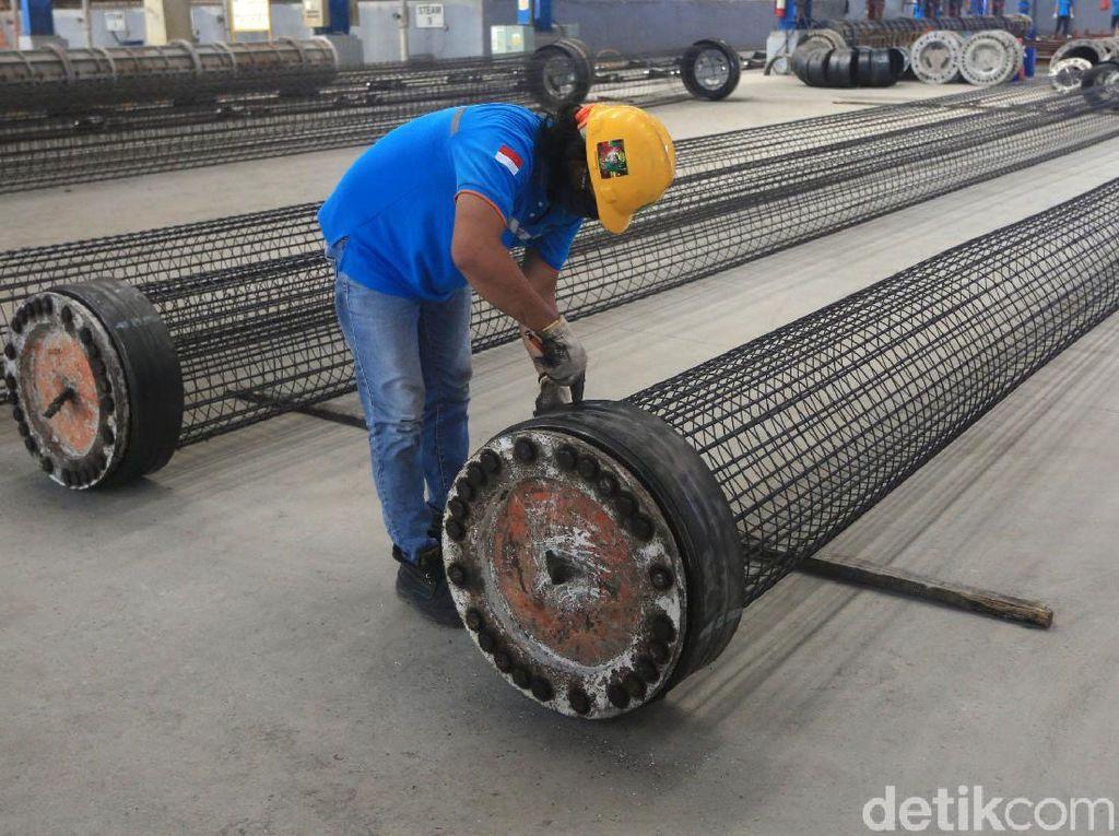 Melihat Pembuatan Beton di Pabrik Waskita