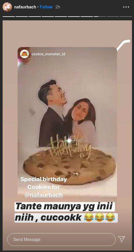 Kue ulang tahun Nafa Urbach yang membuat Zack Lee cemburu.