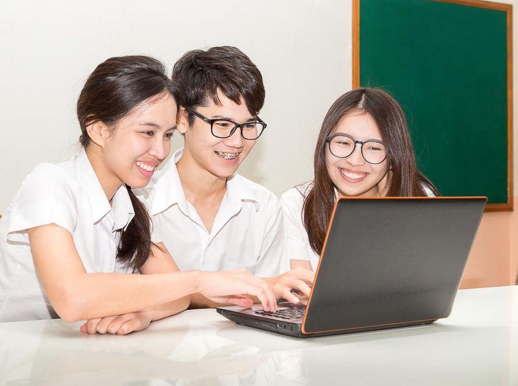 14 Provinsi Gelar Penerimaan Peserta Didik Baru SMA/SMK Via Online