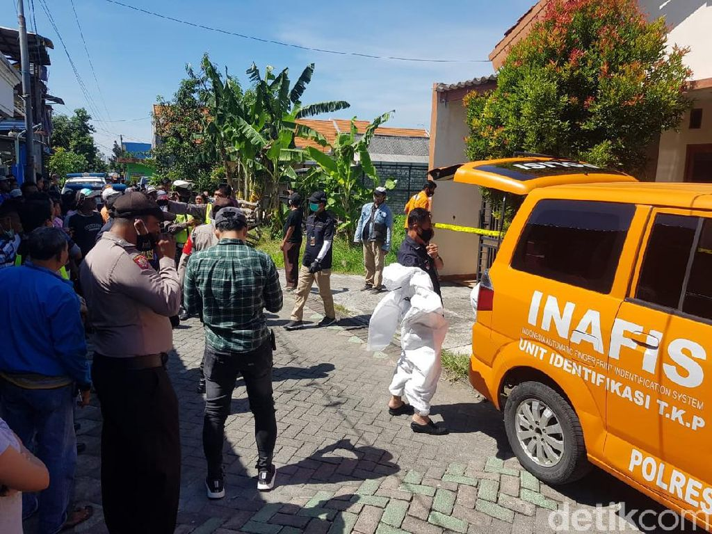 Ditemukan Luka Tusuk dan Bakar Pada Tubuh Mayat Dalam Kardus di Surabaya