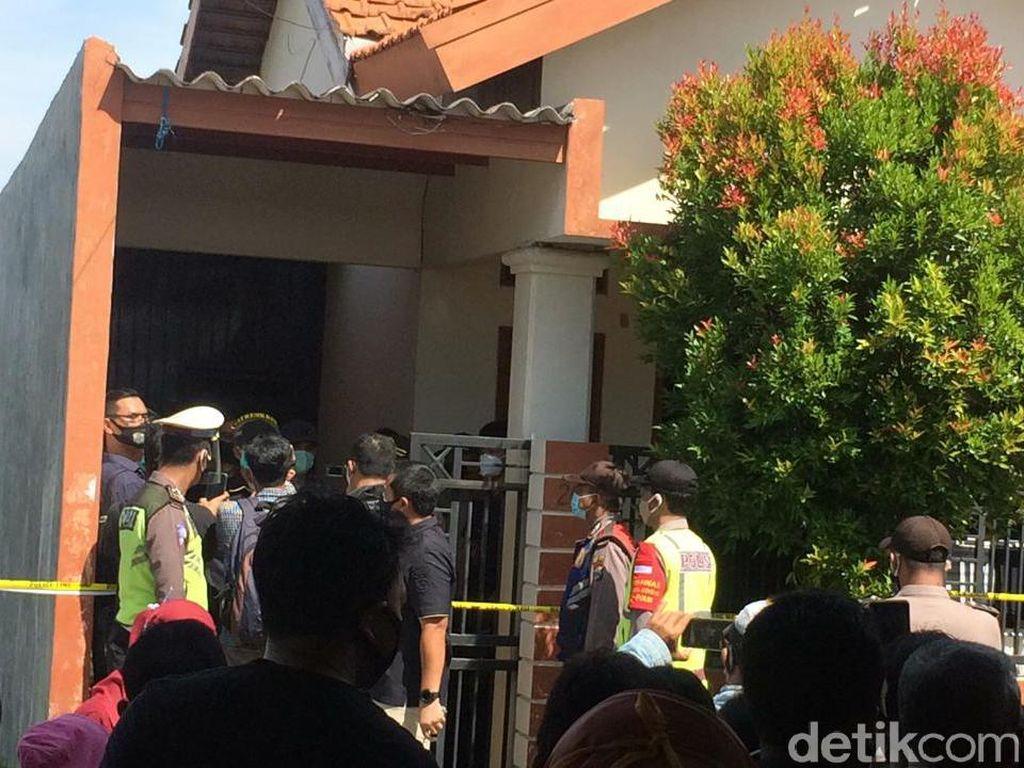 Mayat Perempuan Dalam Kardus Ditemukan di Rumah Kontrakan Surabaya