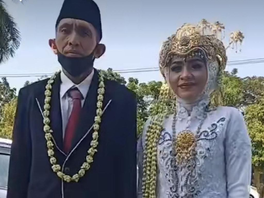 Viral, Petugas KUA Menikahkan Mantan Istri dengan Suami Barunya