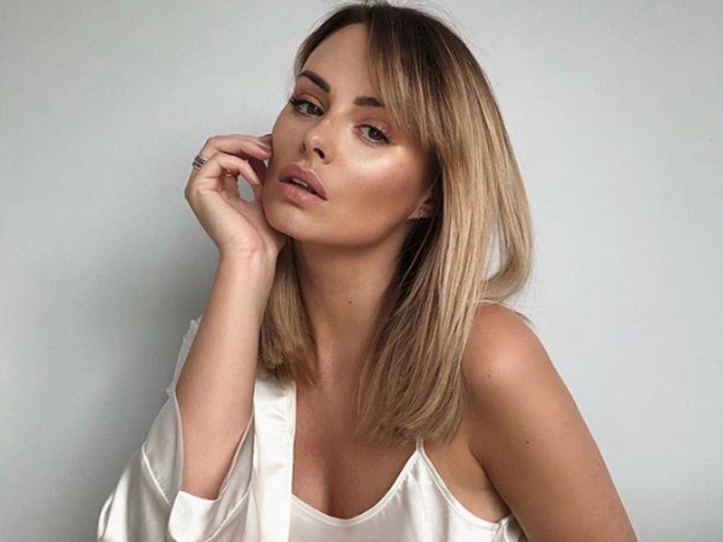 Model Seksi Ini Ungkap Fakta soal Chat Mesum yang Hancurkan Kariernya