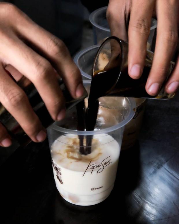 Menu Es Kopi Soe Double Espresso dari Kopi Soe