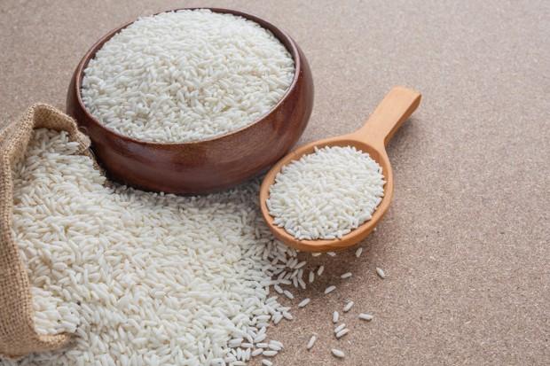 Untuk membuat nasi biryani maka beras yang digunakan adalah beras basmati