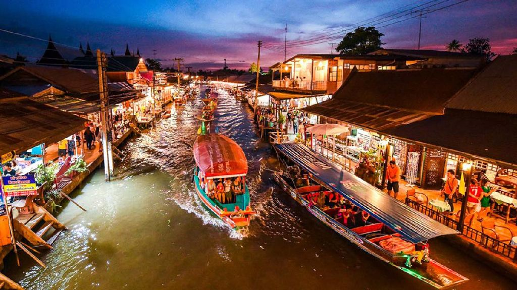 Seru Belanja di Amphawa, Pasar Apung Paling Hits di Thailand