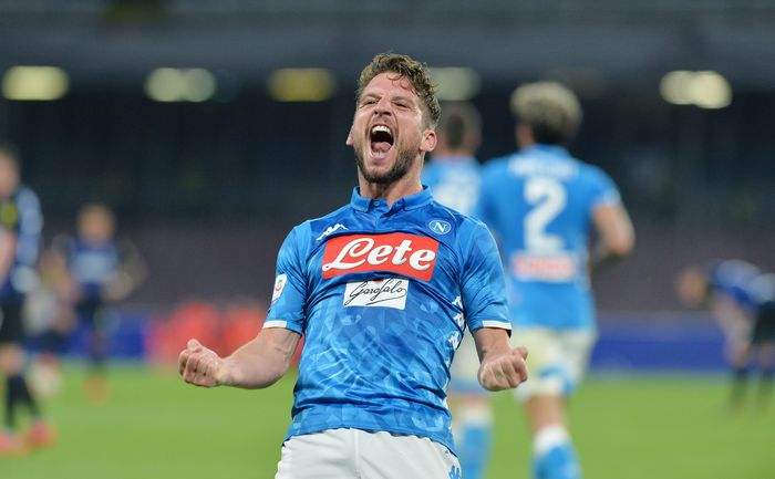 NAPLES, ITALY - MAY 19: Dries Mertens of SSC Napoli celebrates after scoring the 2-0 goal during the Serie A match between SSC Napoli and FC Internazionale at Stadio San Paolo on May 19, 2019 in Naples, Italy. (Photo by Francesco Pecoraro/Getty Images)