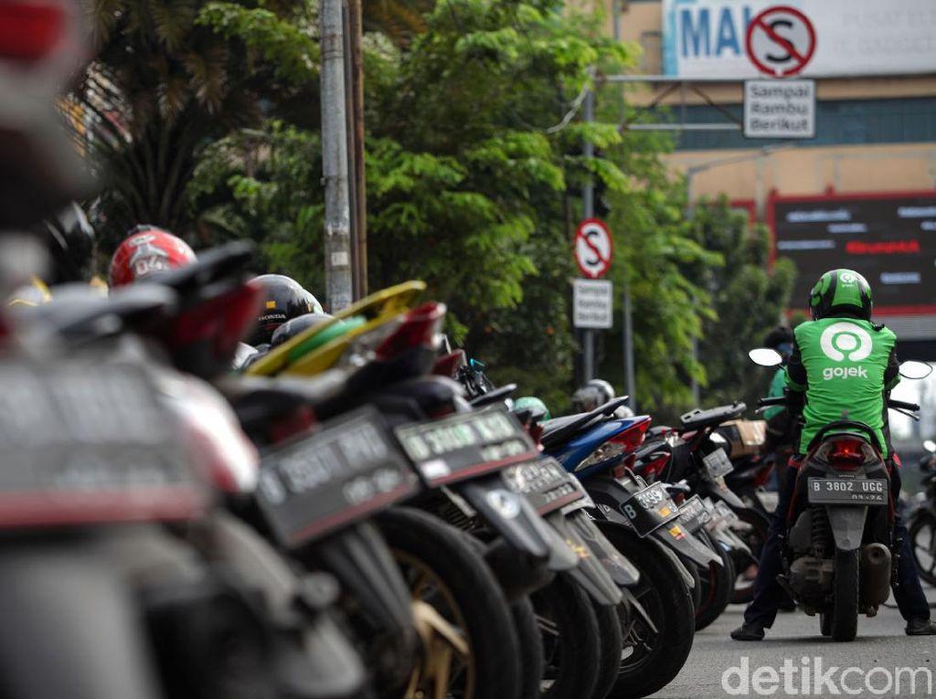 Driver Ojol Ngaku Orderan Sepi Sejak PSBB Jakarta Diperketat
