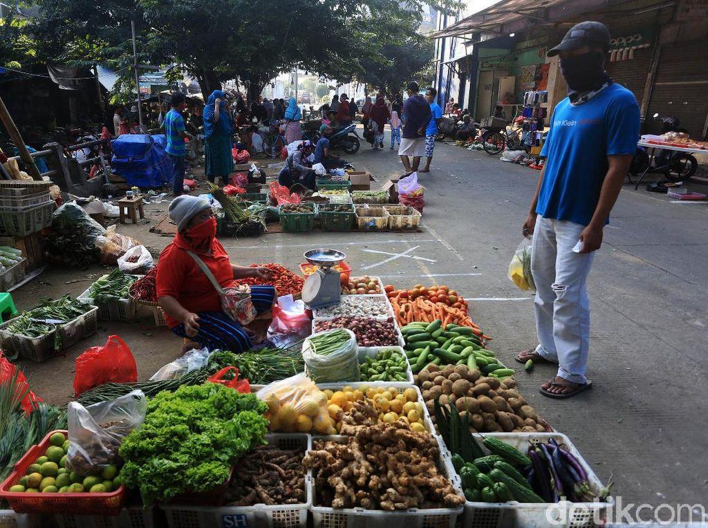 Pemprov DKI Didesak Masif Sosialisasikan Protokol Kesehatan ke Pedagang Pasar