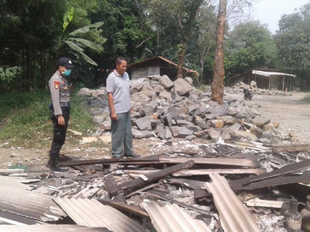 Kios Bensin Eceran di Bogor Terbakar, Pasutri Luka Dibawa ke RS