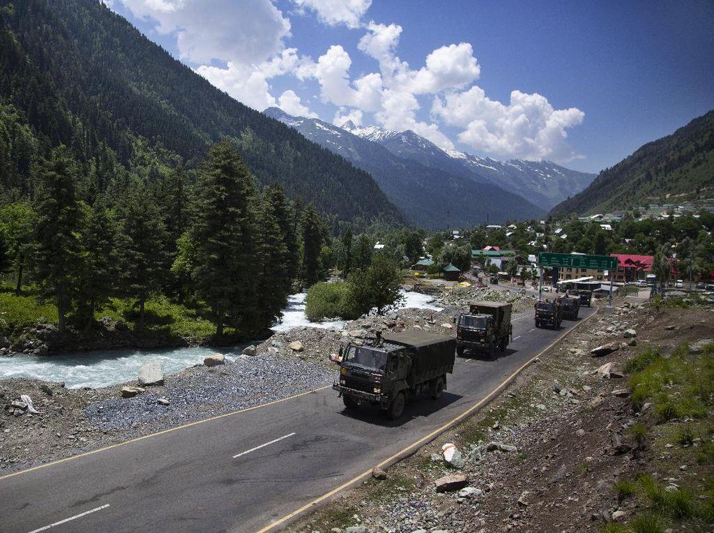 Gegara Bentrok Perbatasan, India Tunda Bisnis dengan China