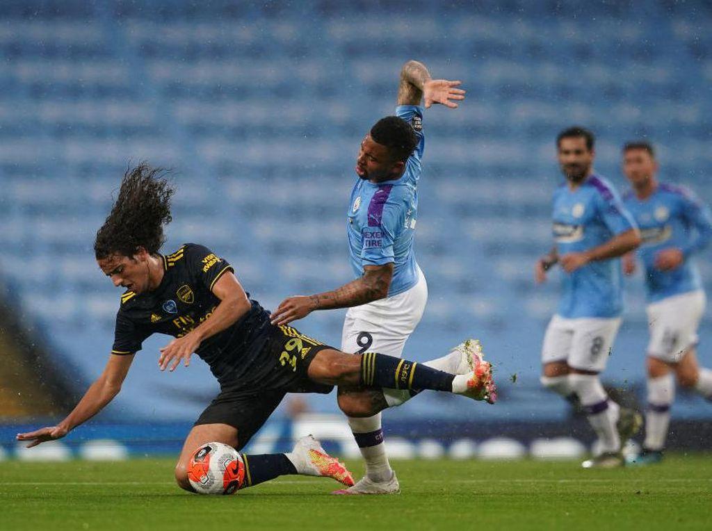 Man City Vs Arsenal di Babak I: Sterling Bawa The Citizens Unggul 1-0
