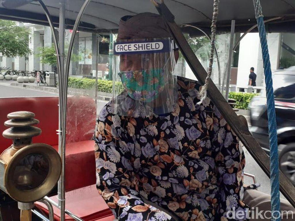 New Normal Yogyakarta, Ada Face Shield dan Sekat Mika di Andong