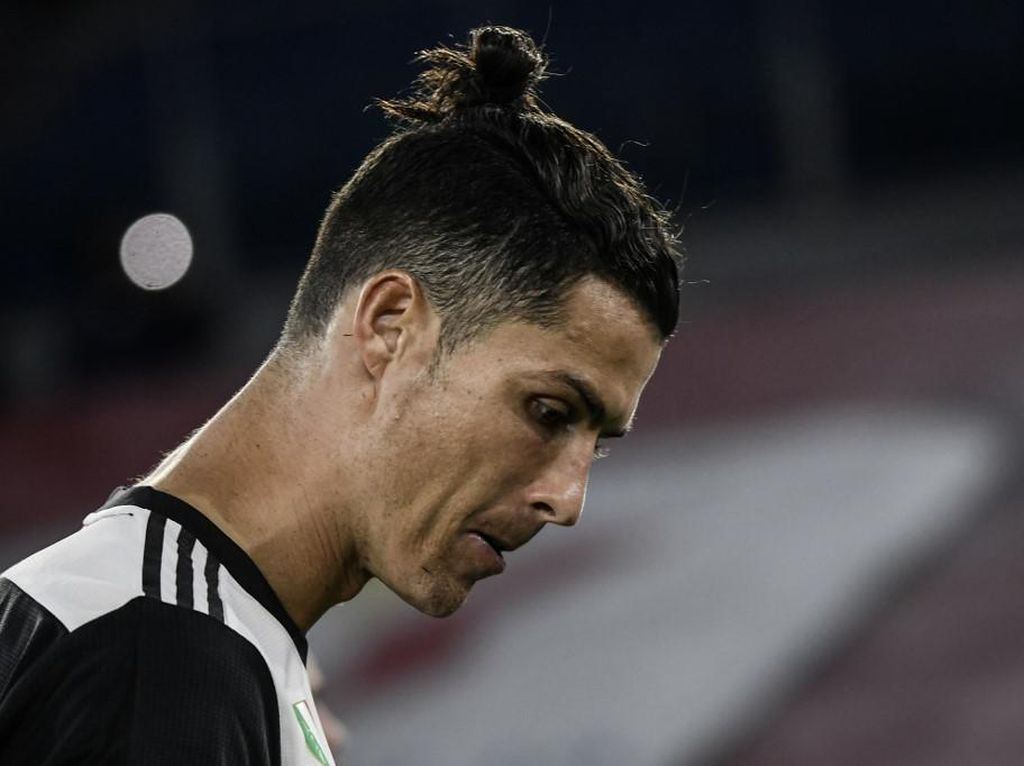 Kena Ejek, Ronaldo Disebut Pakai Baju Bekas Selebgram