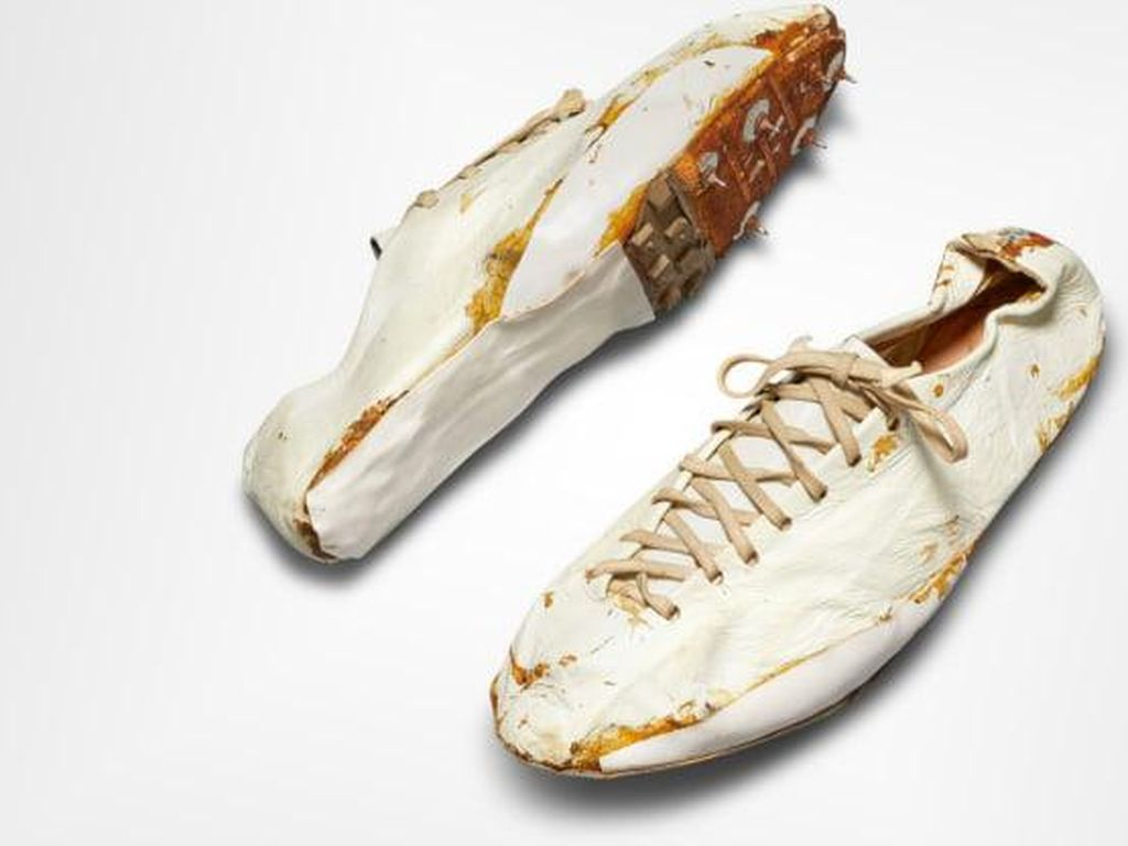 Gokil! Sepatu Nike Jadul Ini Harganya Ditaksir Rp 2 Miliar