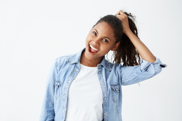 Rambut yang kuat dapat diperoleh dengan perawatan yang baik, penjagaan pola makan, serta gaya hidup yang sehat.