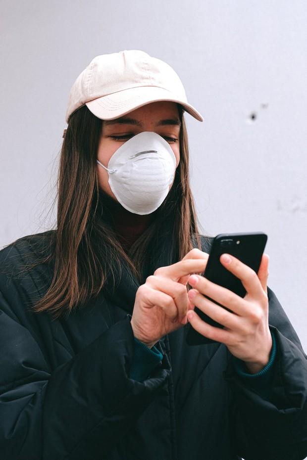 Penggunaan masker N95 lebih berisiko menyebabkan iritasi pada kulit.