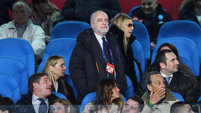 NAPLES, ITALY - FEBRUARY 25: Aurelio De Laurentiis SSC Napoli president on the stands before the UEFA Champions League round of 16 first leg match between SSC Napoli and FC Barcelona at Stadio San Paolo on February 25, 2020 in Naples, Italy. (Photo by Francesco Pecoraro/Getty Images)