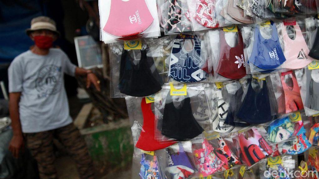 Gegara Pandemi, Masker Warna-warni Ramai Dicari