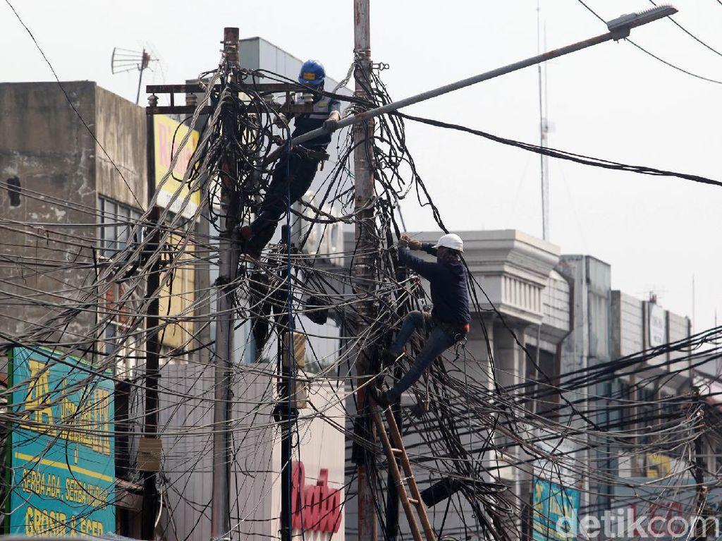 Menyoal Regulasi Jaringan Utilitas untuk Kabel Fiber