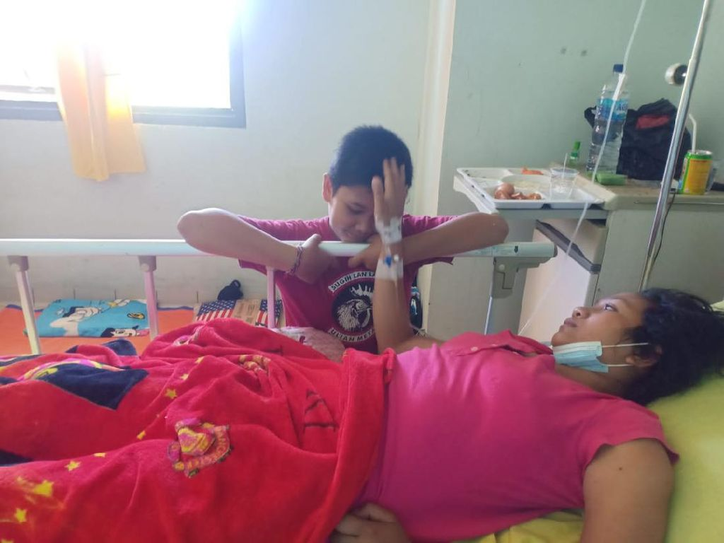 Kisah Bocah 12 Tahun di Bali Jadi Tulang Punggung Keluarga Urus Ibu yang Sakit