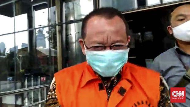 Nurhadi Abdurrachman usai diperiksa penyidik KPK