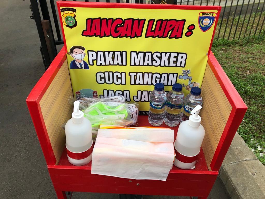 Polsek Tanah Abang Sediakan Hand Sanitizer-Masker Secara Mobile di GBK