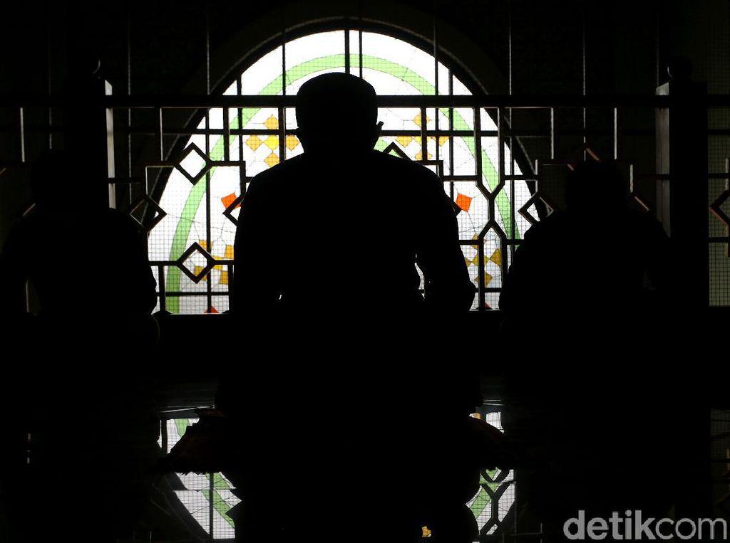 Masjid Agung Al Barkah Bekasi Terapkan Salat Jumat 1 Gelombang